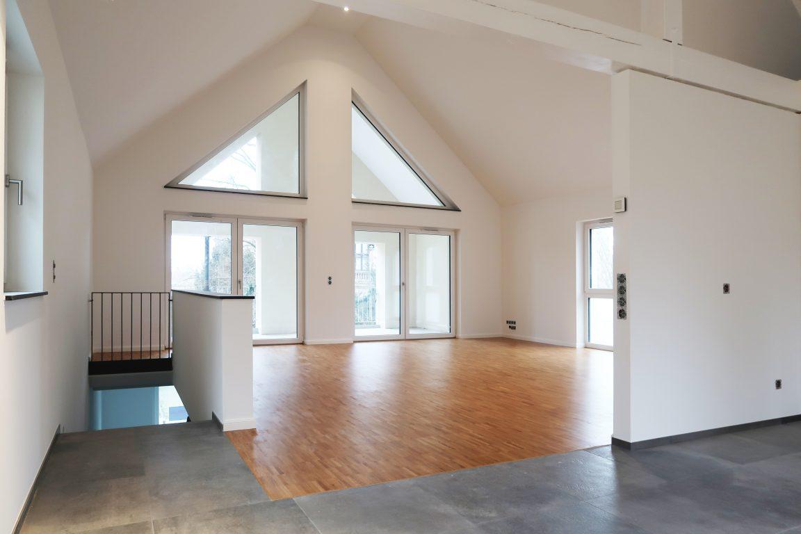 Haus 4 - Blick Wohnraum / Loggia